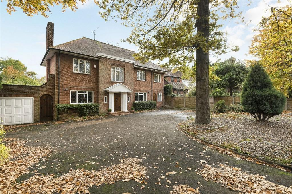 4 Bedrooms Detached House for sale in Maidstone Road, Chatham, Kent