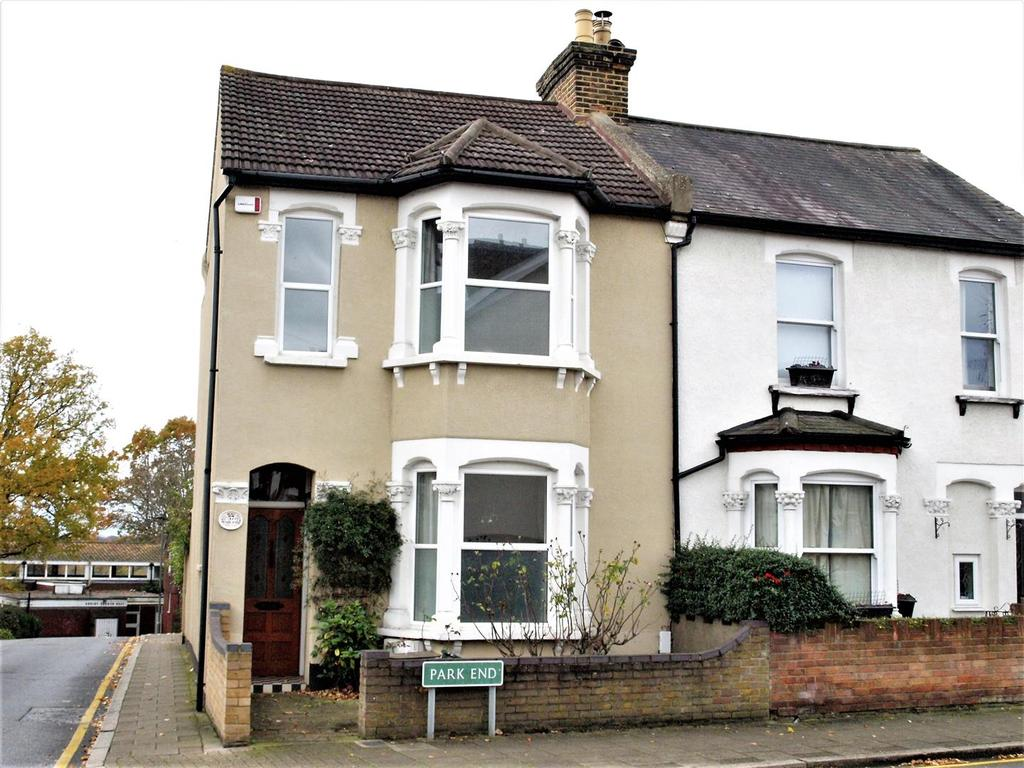 3 Bedrooms Semi Detached House for sale in Park End, Bromley, BR1