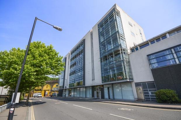2 Bedrooms Flat for sale in Consort Road Peckham SE15