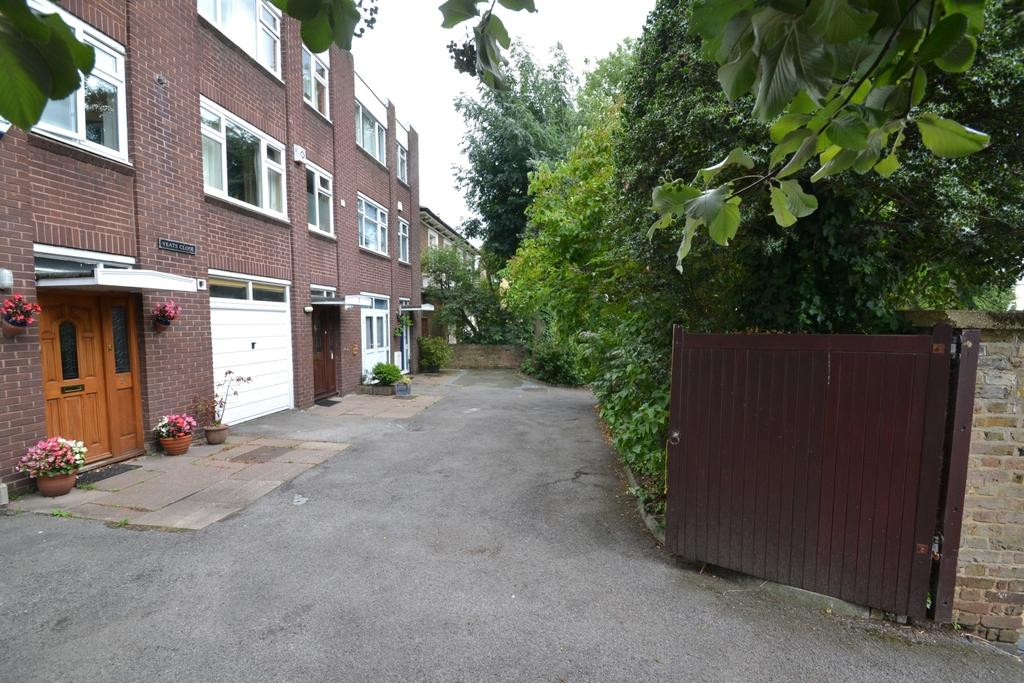 4 Bedrooms Town House for sale in Yeats Close Lewisham SE13