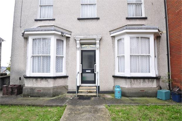3 Bedrooms Ground Flat for sale in Victoria Avenue , Maindee, Newport, Gwent. NP19 8GG