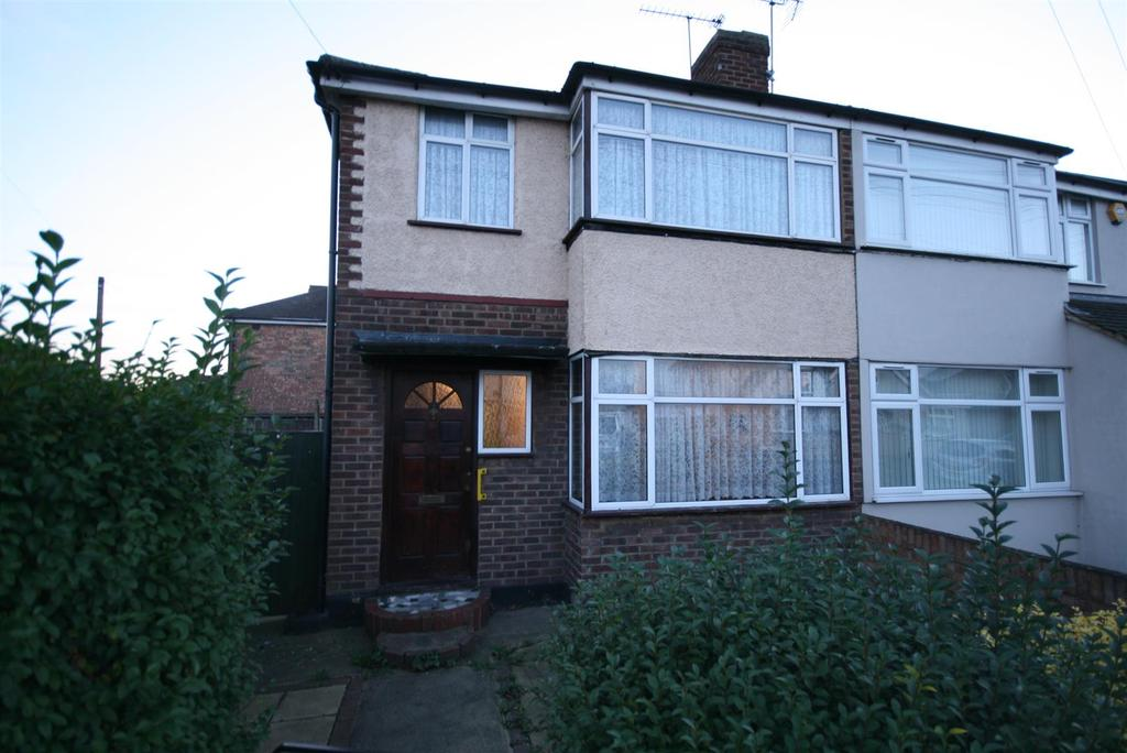 3 Bedrooms Semi Detached House for sale in Cranford Drive, Hayes, Middlesex, UB3