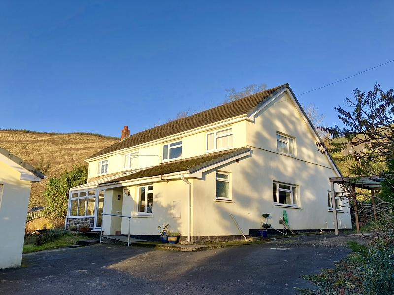 3 Bedrooms Detached House for sale in Rhandirmwyn, Llandovery, Carmarthenshire.