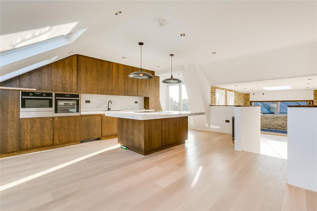 3 Bedrooms Flat for sale in Prince of Wales Drive, Battersea Park, London