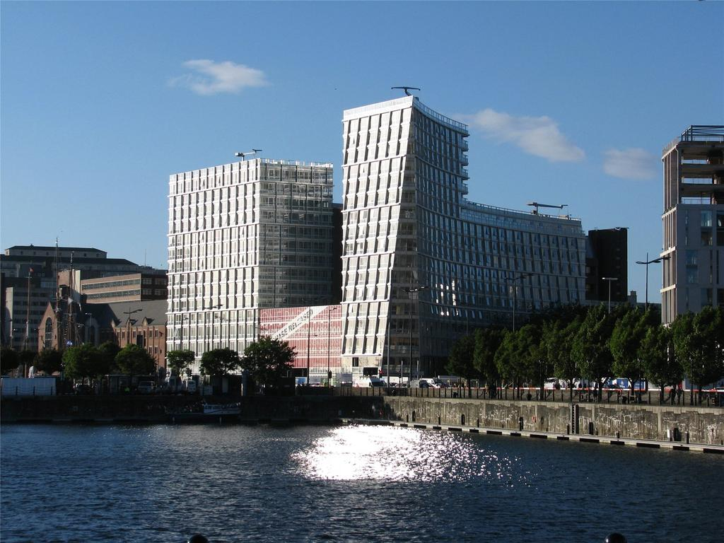 2 Bedrooms Flat for sale in One Park West, Liverpool, Merseyside, L1