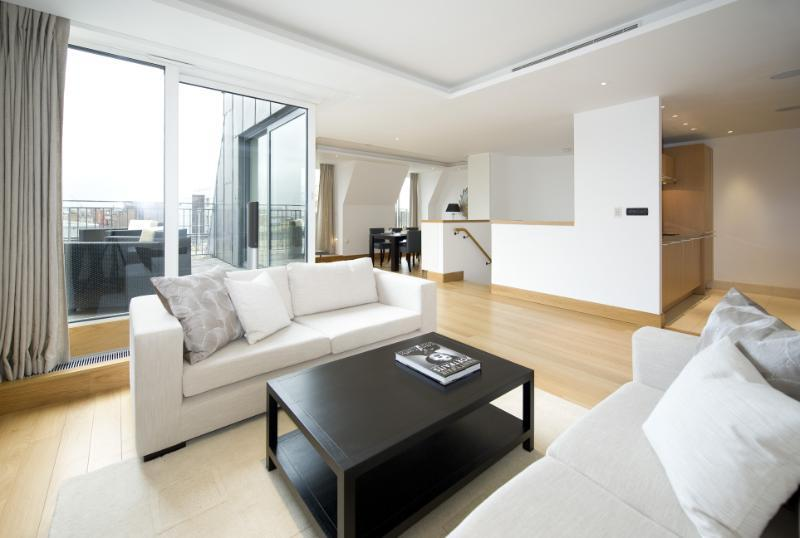 2 Bedrooms Flat for rent in St George Street, Mayfair, London, W1S