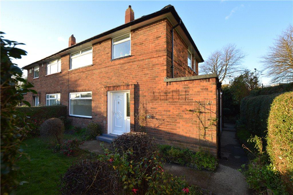 3 Bedrooms Semi Detached House for sale in Brooklands Lane, Leeds, West Yorkshire