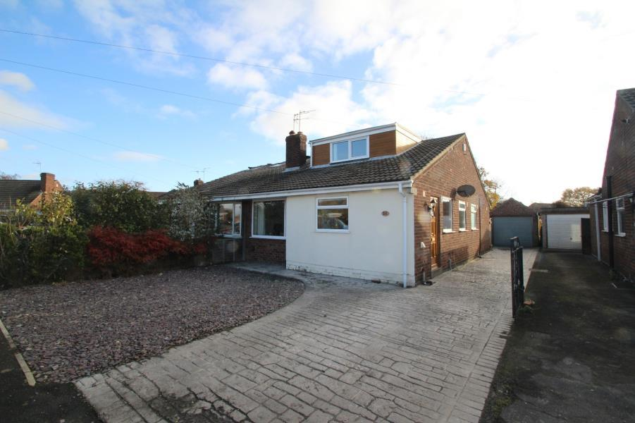 3 Bedrooms Semi Detached Bungalow for sale in BORROWDALE DRIVE, YORK, YO30 5SX