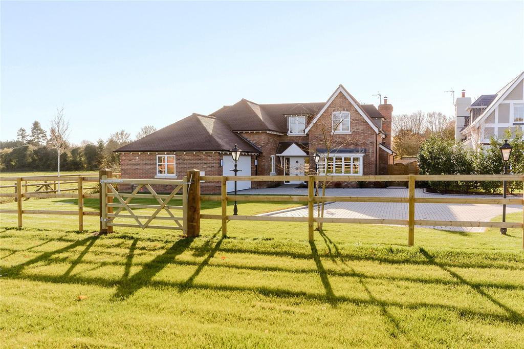 5 Bedrooms Detached House for sale in Kidgerbury, Green Lane, Littlewick Green, Berkshire, SL6