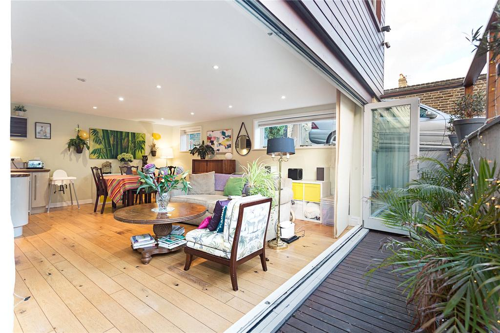 3 Bedrooms Detached House for sale in Findon Road, Shepherd's Bush, London, W12