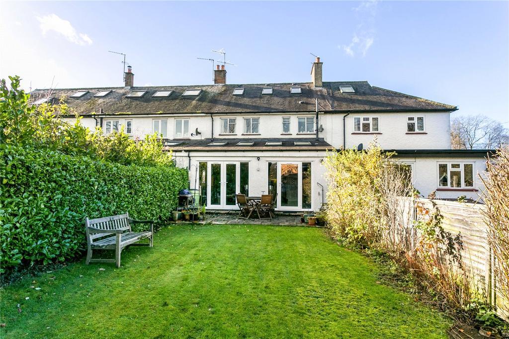 3 Bedrooms Terraced House for sale in Brays Lane, Hyde Heath, Amersham, Buckinghamshire, HP6