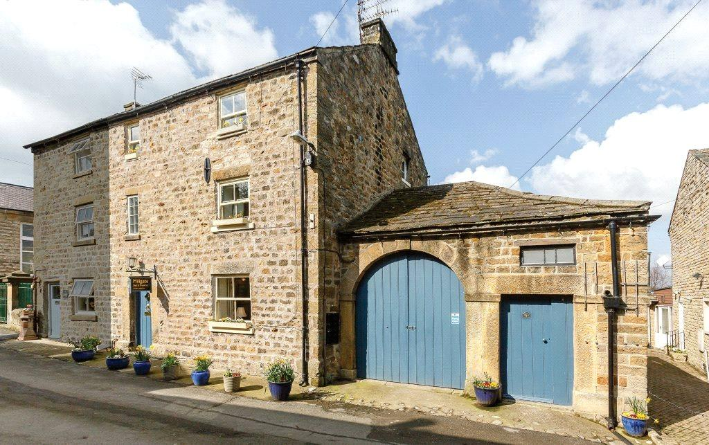 4 Bedrooms Semi Detached House for sale in Millgate, Masham, Near Ripon, North Yorkshire, HG4