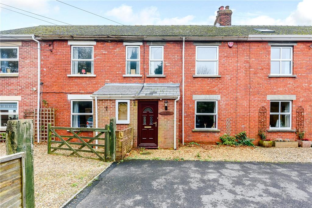 3 Bedrooms Terraced House for sale in High Street, Burbage, Marlborough, Wiltshire, SN8