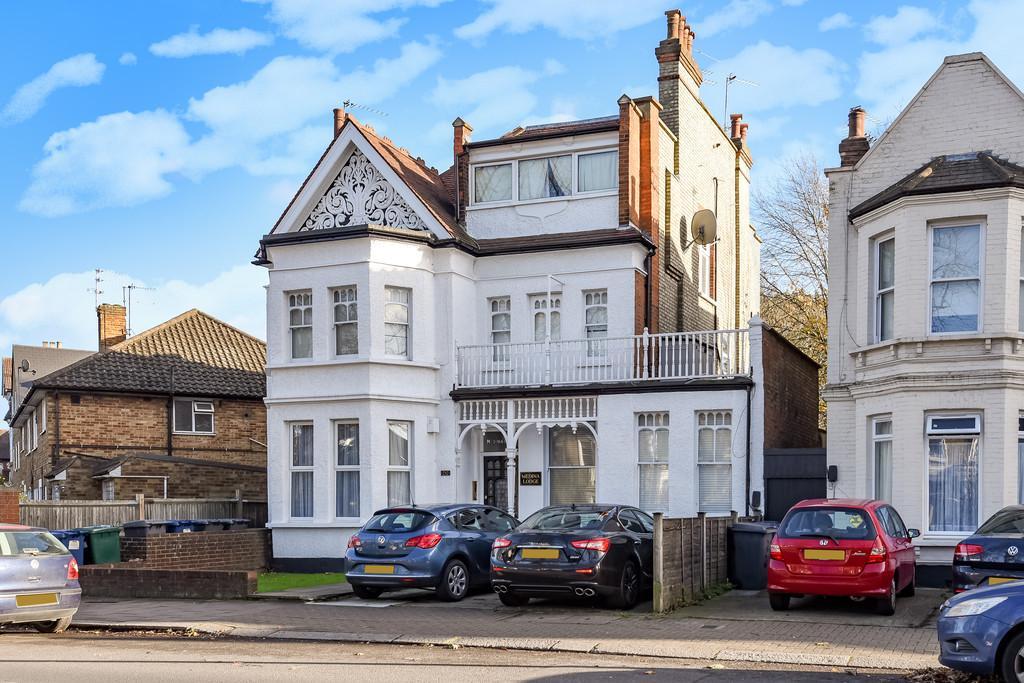 2 Bedrooms Flat for sale in Ballards Lane, Finchley