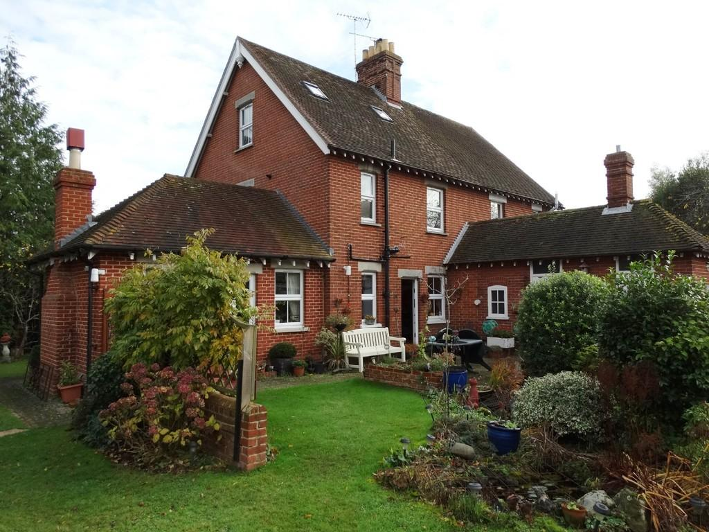 3 Bedrooms Semi Detached House for sale in Frittenden, Kent