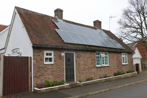 3 bedroom detached house for sale - Beresford Road, Goudhurst, Kent, TN17 1DN