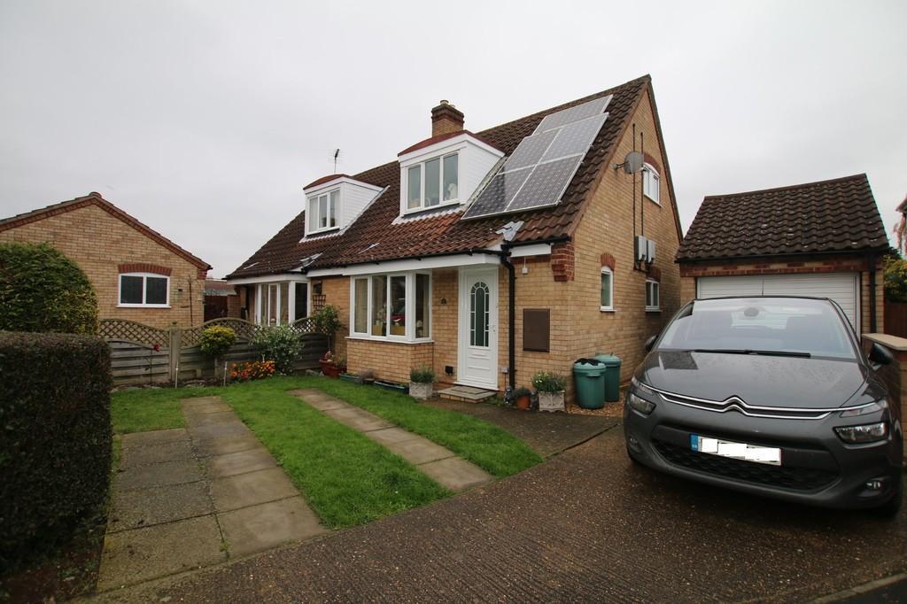 3 Bedrooms Semi Detached Bungalow for sale in Haddenham, Ely Cambridgeshire