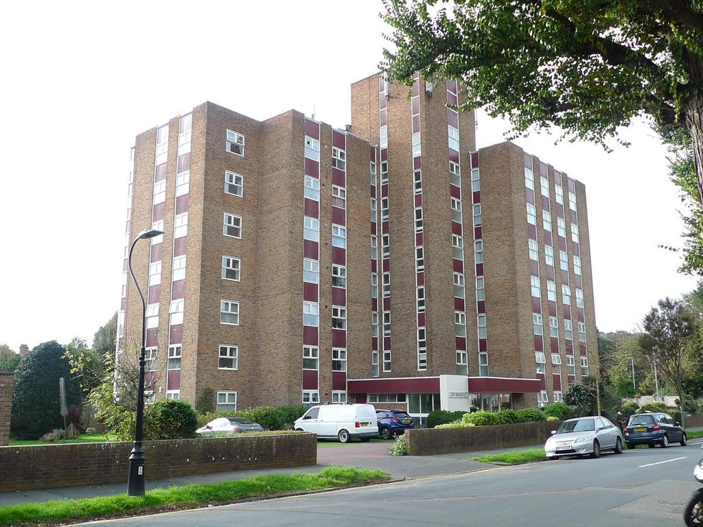 3 Bedrooms Apartment Flat for sale in St Johns Road, Meads, Eastbourne, BN20