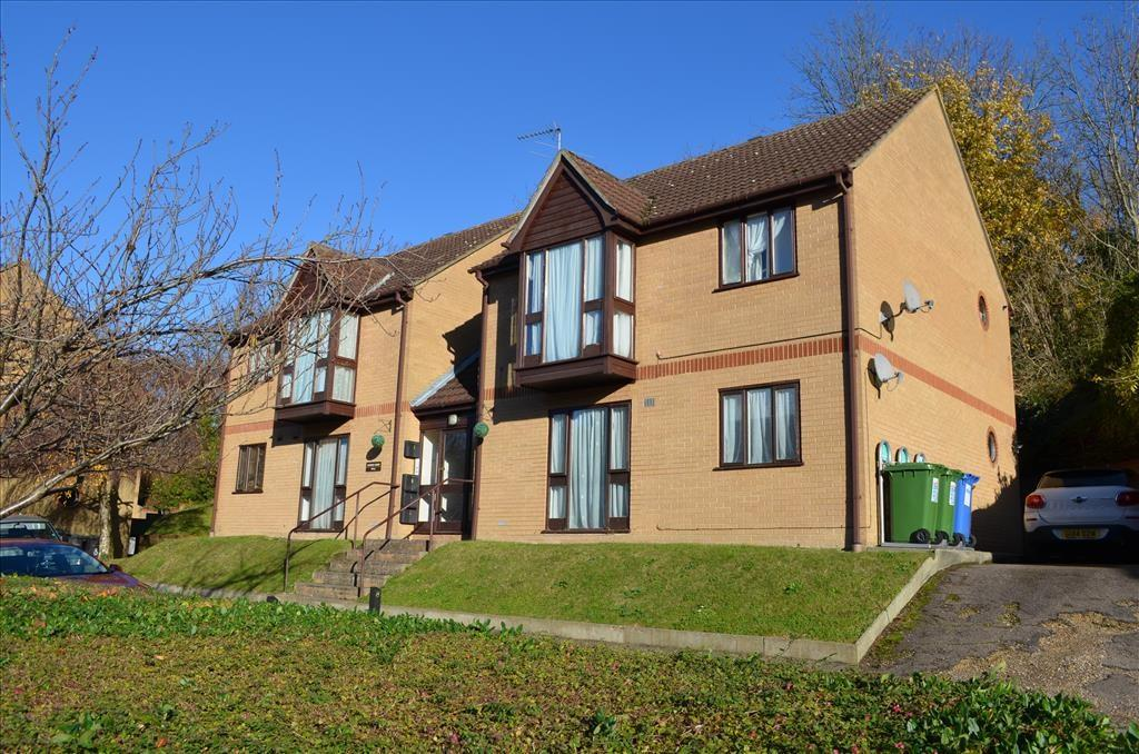 1 Bedroom Ground Flat for sale in Grange Bottom, Royston, SG8