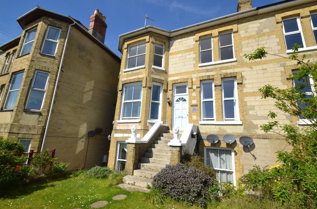 3 Bedrooms Apartment Flat for sale in St. Boniface Road, Ventnor