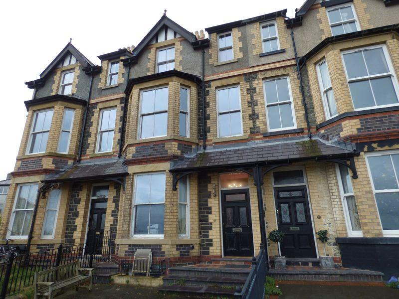 6 Bedrooms House for sale in Sunny Mount, 2 Marine Terrace, Penmaenmawr LL34 6BG