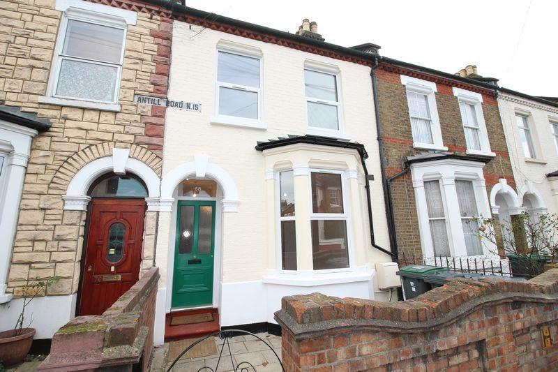 3 Bedrooms Terraced House for rent in Antill Road, London