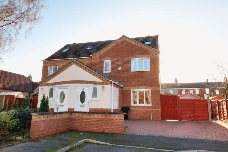 3 Bedrooms Semi Detached House for sale in Vagarth Close, Barton-Upon-Humber