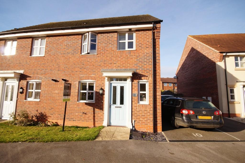 3 Bedrooms Semi Detached House for sale in Bishops Gate, Queen Mary Road, Lincoln