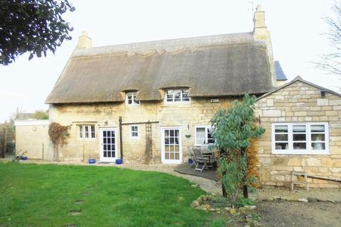 3 bedroom cottage for sale - Saunders Cottage, Kinsham