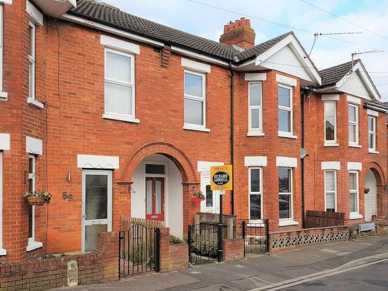 3 Bedrooms Flat for sale in Rebbeck Road, Pokesdown, Bournemouth