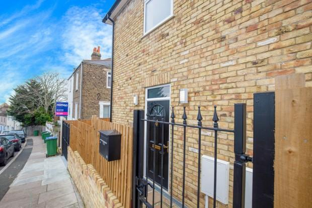 4 Bedrooms Detached House for sale in Brewery Road Brewery Road, Plumstead, SE18