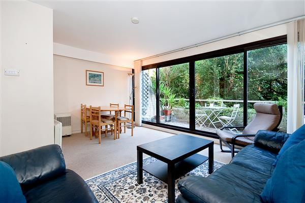 2 Bedrooms Flat for sale in HANOVER STEPS, HYDE PARK, W2