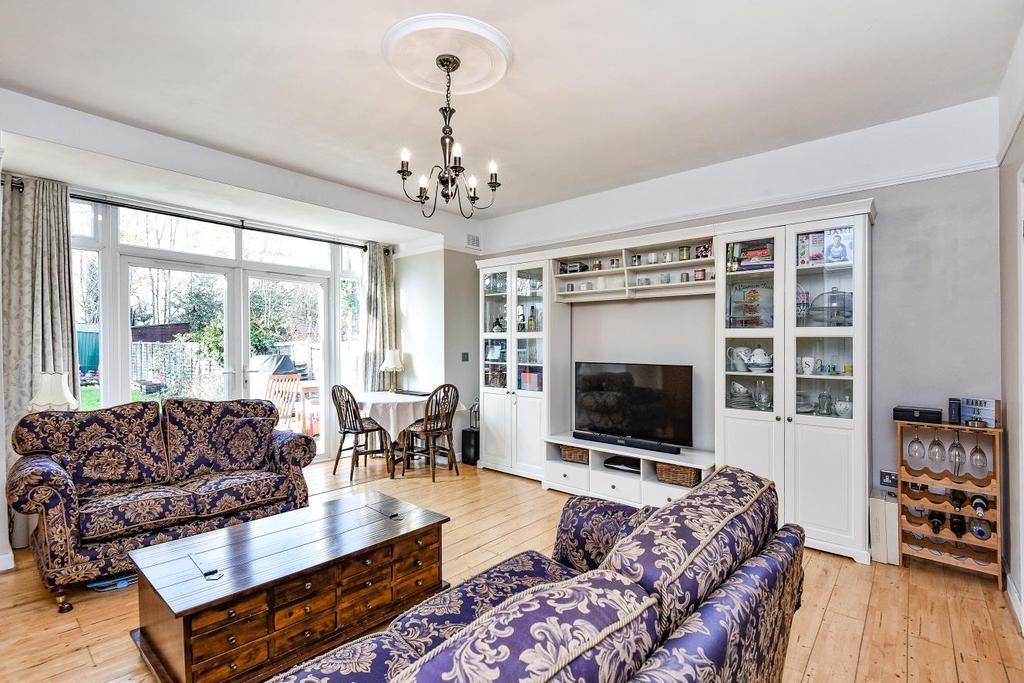 2 Bedrooms Flat for sale in Kent House Road, Beckenham