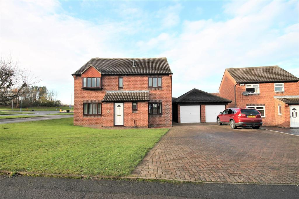 4 Bedrooms Detached House for sale in Eagle Park, Marton-In-Cleveland, Middlesbrough
