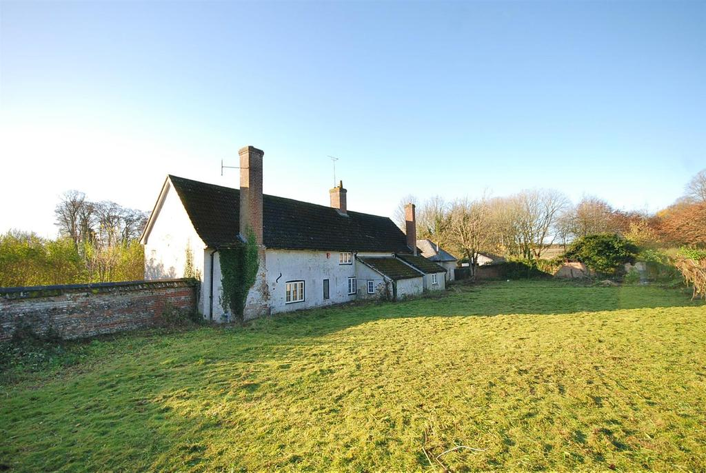 4 Bedrooms Farm House Character Property for sale in Tidworth, Wiltshire