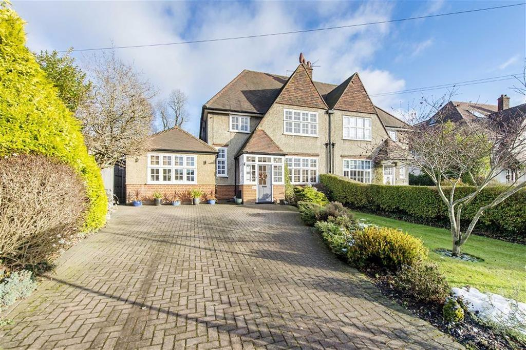 5 Bedrooms Semi Detached House for sale in With 1 Bed Self Contained Annexe, Queens Road, High Barnet, Herts, EN5