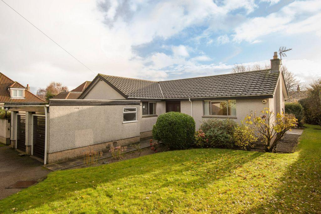 3 Bedrooms Detached House for sale in The Orchard, Broadgait, Gullane. East Lothian, EH31 2DN