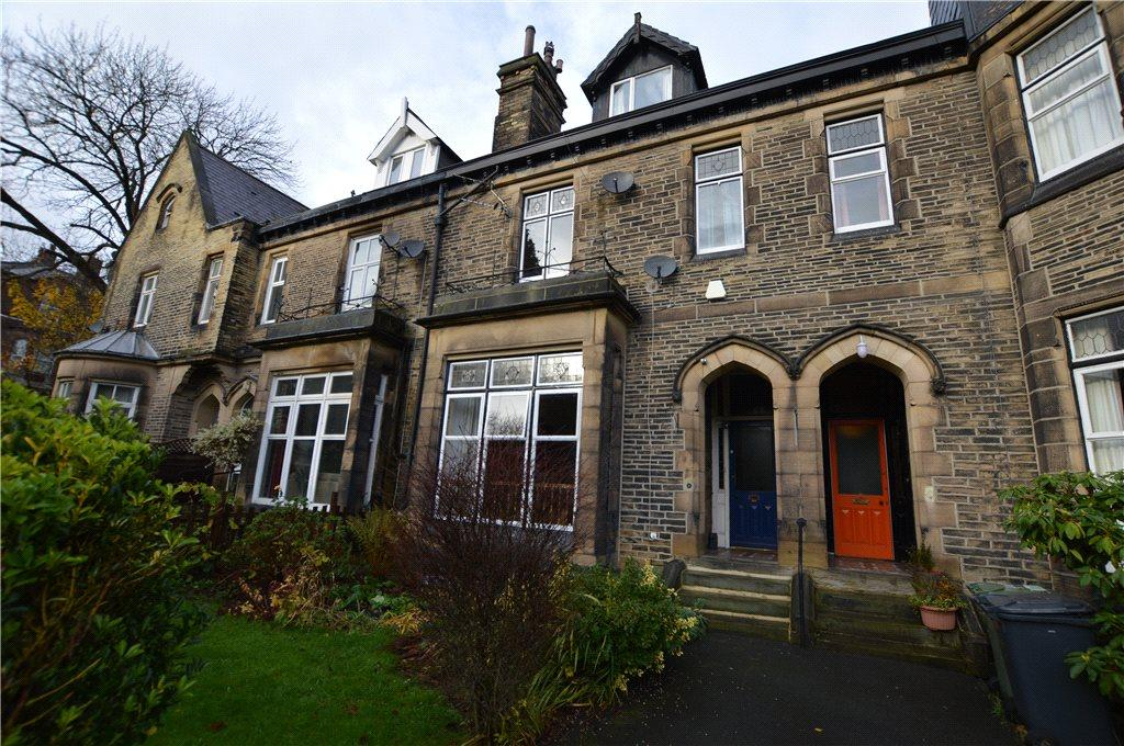 6 Bedrooms Terraced House for sale in West Park Street, Dewsbury, West Yorkshire