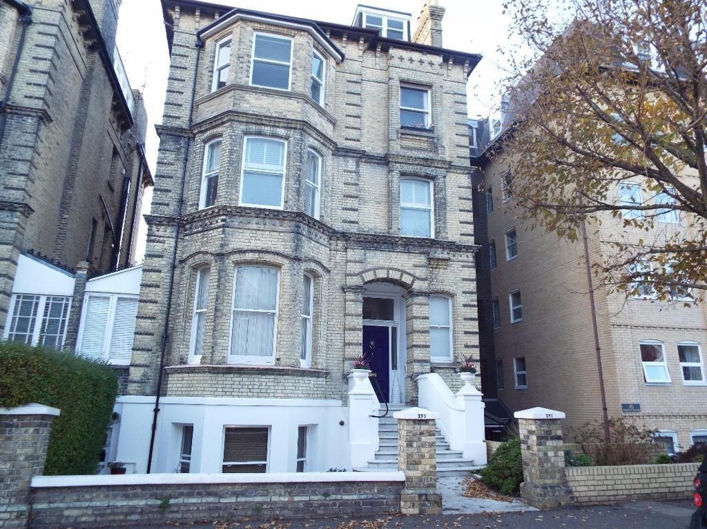 1 Bedroom Flat for sale in Fourth Avenue Hove East Sussex BN3