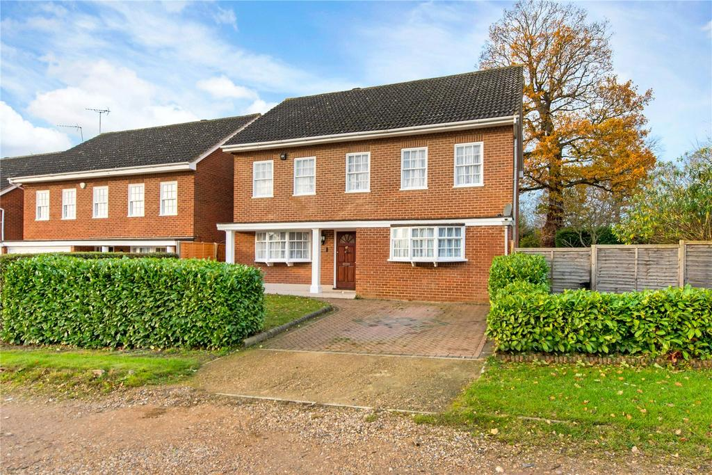 4 Bedrooms Detached House for sale in Oakhill Avenue, Pinner, Middlesex, HA5