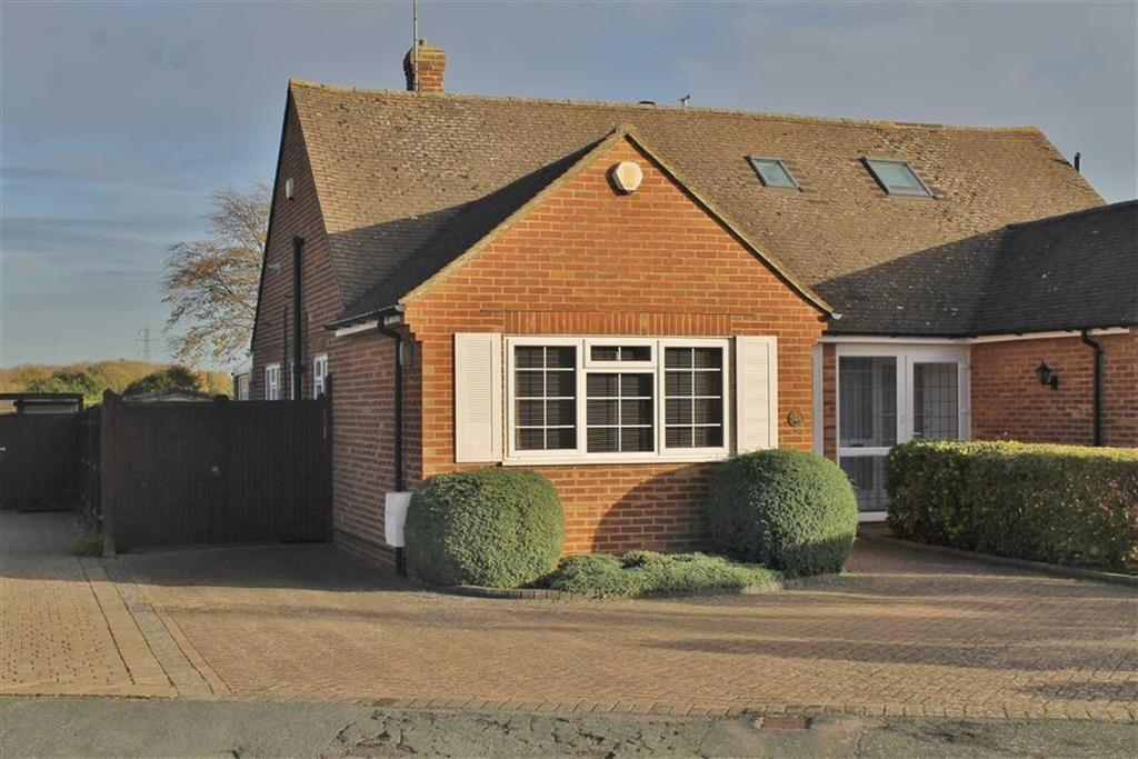 2 Bedrooms Semi Detached Bungalow for sale in Nursery Road, Meopham