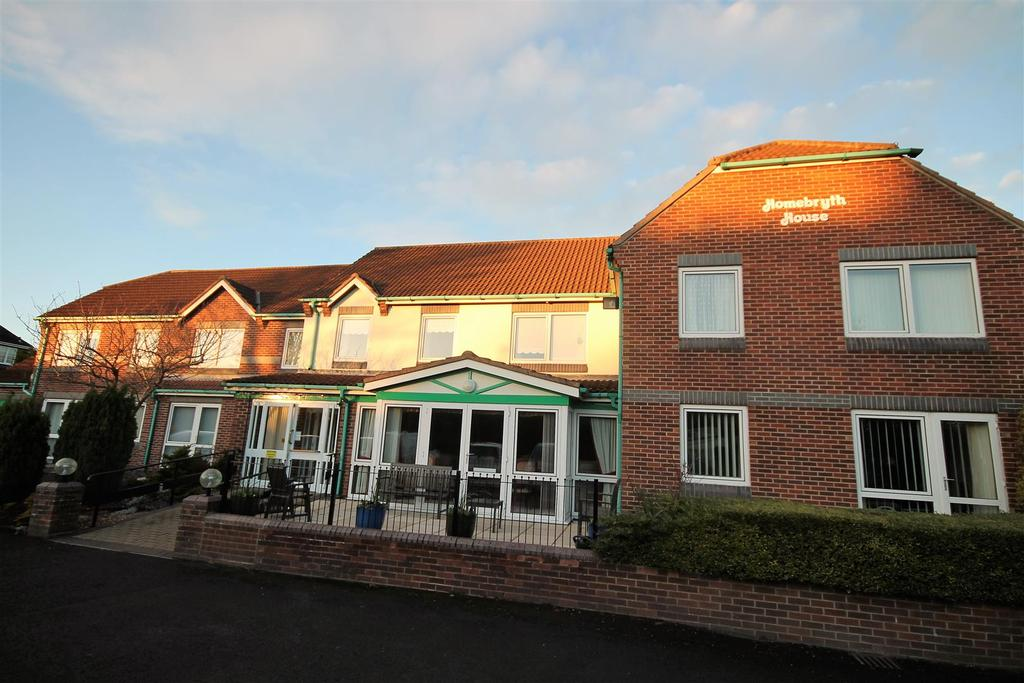 1 Bedroom Flat for sale in Front Street, Sedgefield, Stockton-On-Tees