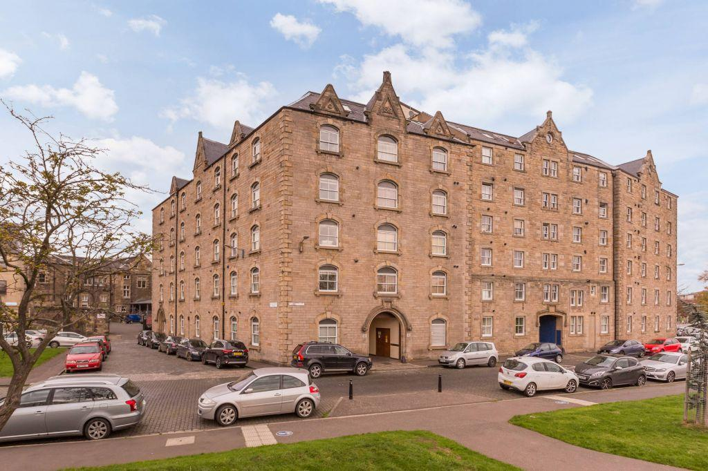2 Bedrooms Flat for sale in 18/34 Johns Place, Edinburgh, EH6 7EN