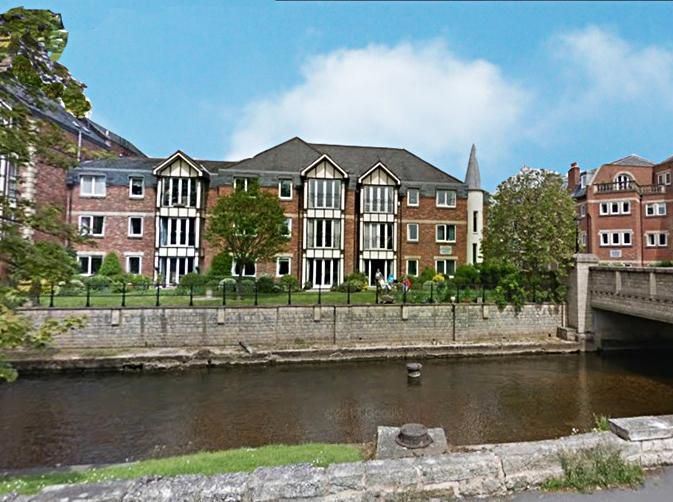 2 Bedrooms Flat for sale in Apt 4 Riverside House Ripon HG4 1AZ