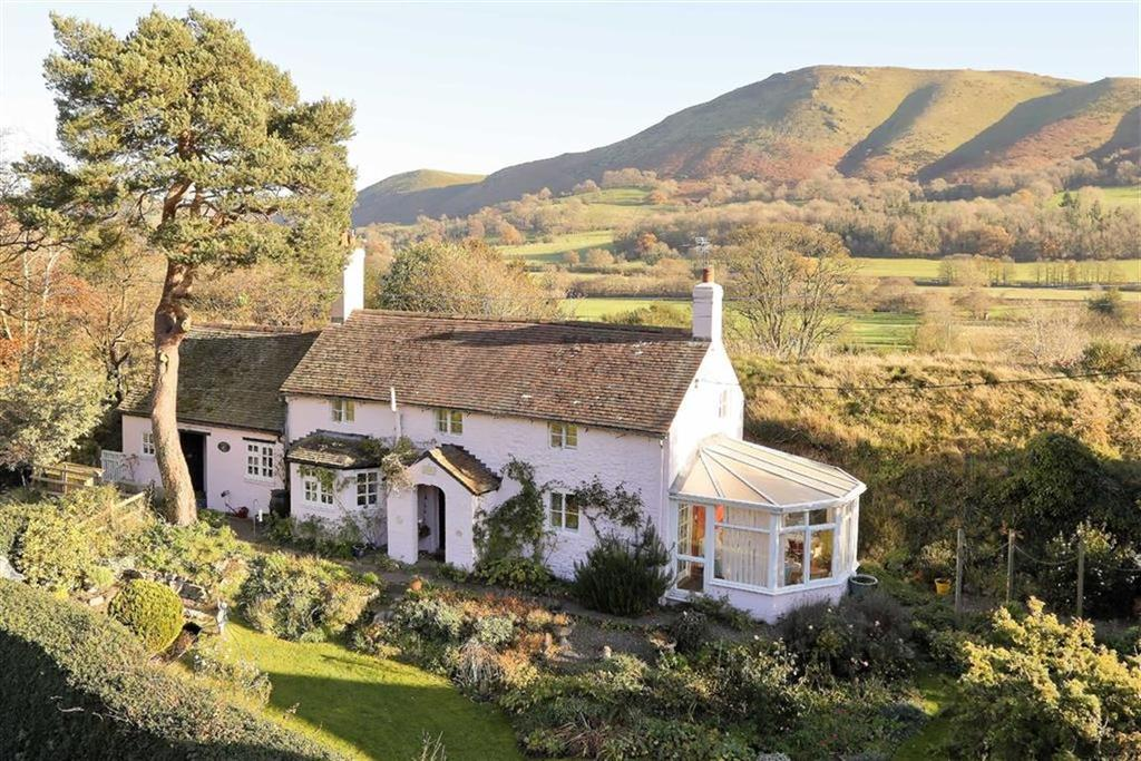 3 Bedrooms Country House Character Property for sale in Castle Hill Cottage, Castle Hill, Church Stretton, SY6