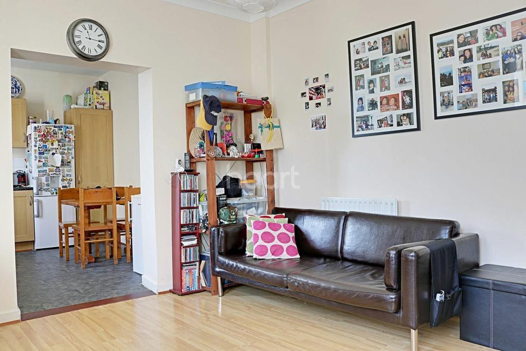 2 Bedrooms Flat for sale in New Cross, SE14
