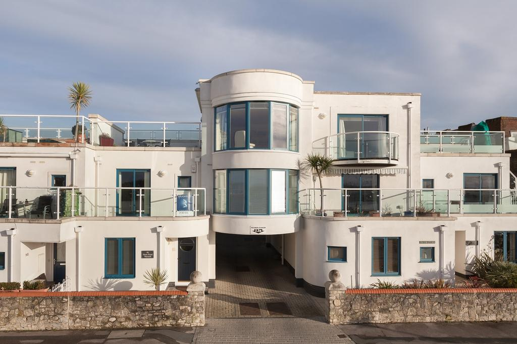4 Bedrooms Town House for sale in Shore Road, Warsash, Southampton SO31