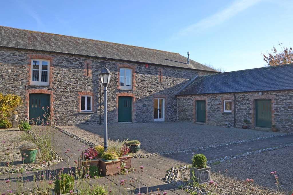4 Bedrooms Barn Conversion Character Property for sale in Treluggan, Nr. Pendower Beach, between Portscatho and Ruan High Lanes, Roseland Peninsula, Cornwall, TR2