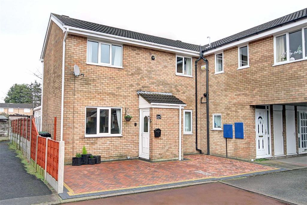 3 Bedrooms Semi Detached House for sale in Coltsfoot Drive, Altrincham, Cheshire