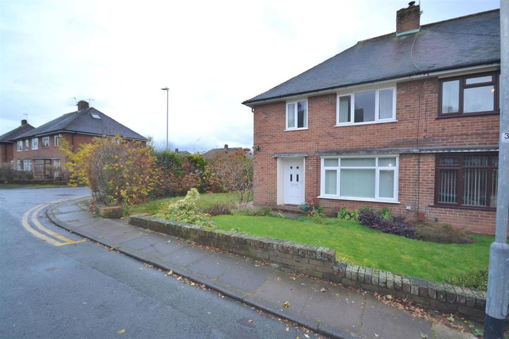 3 Bedrooms Semi Detached House for sale in Barnfield, Penkhull, Stoke-On-Trent